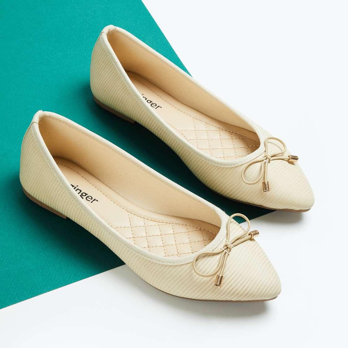 Women Textured Pointed Toe Ballerinas