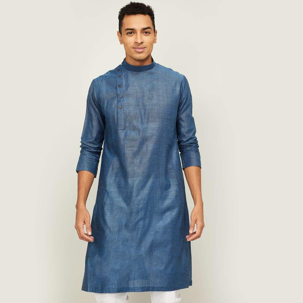 1.MELANGE Men Shimmery Kurta with Full Sleeves