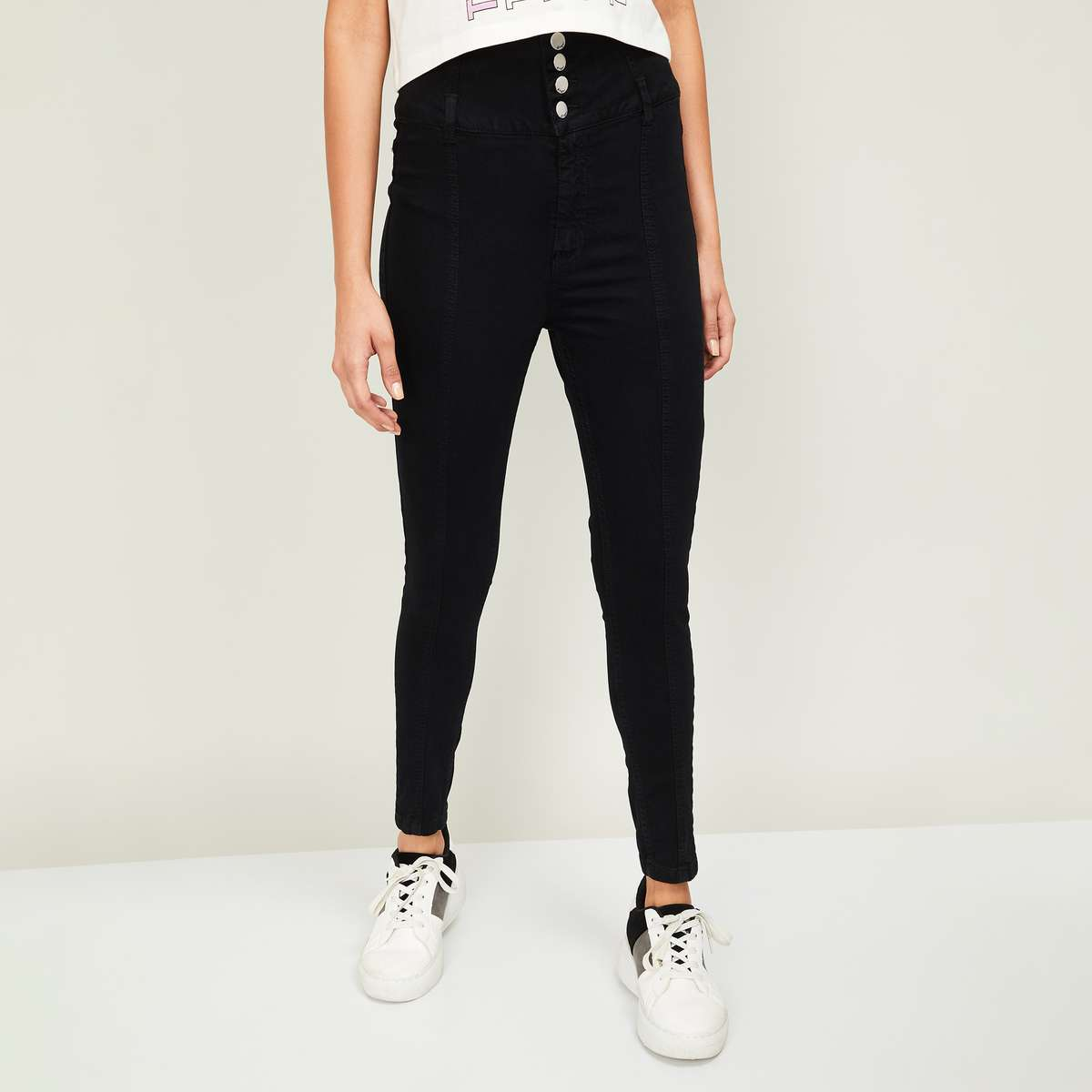 7.GINGER Women Solid Skinny Fit Jeans