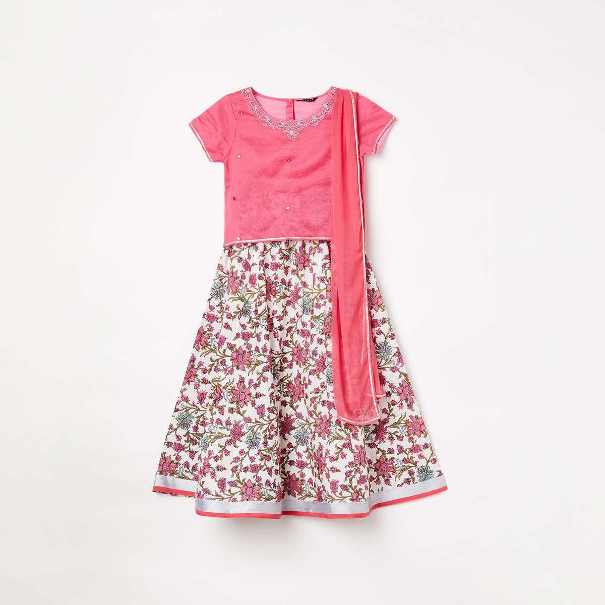 2.MELANGE Girls Embellished Blouse with Printed Lehenga and Dupatta