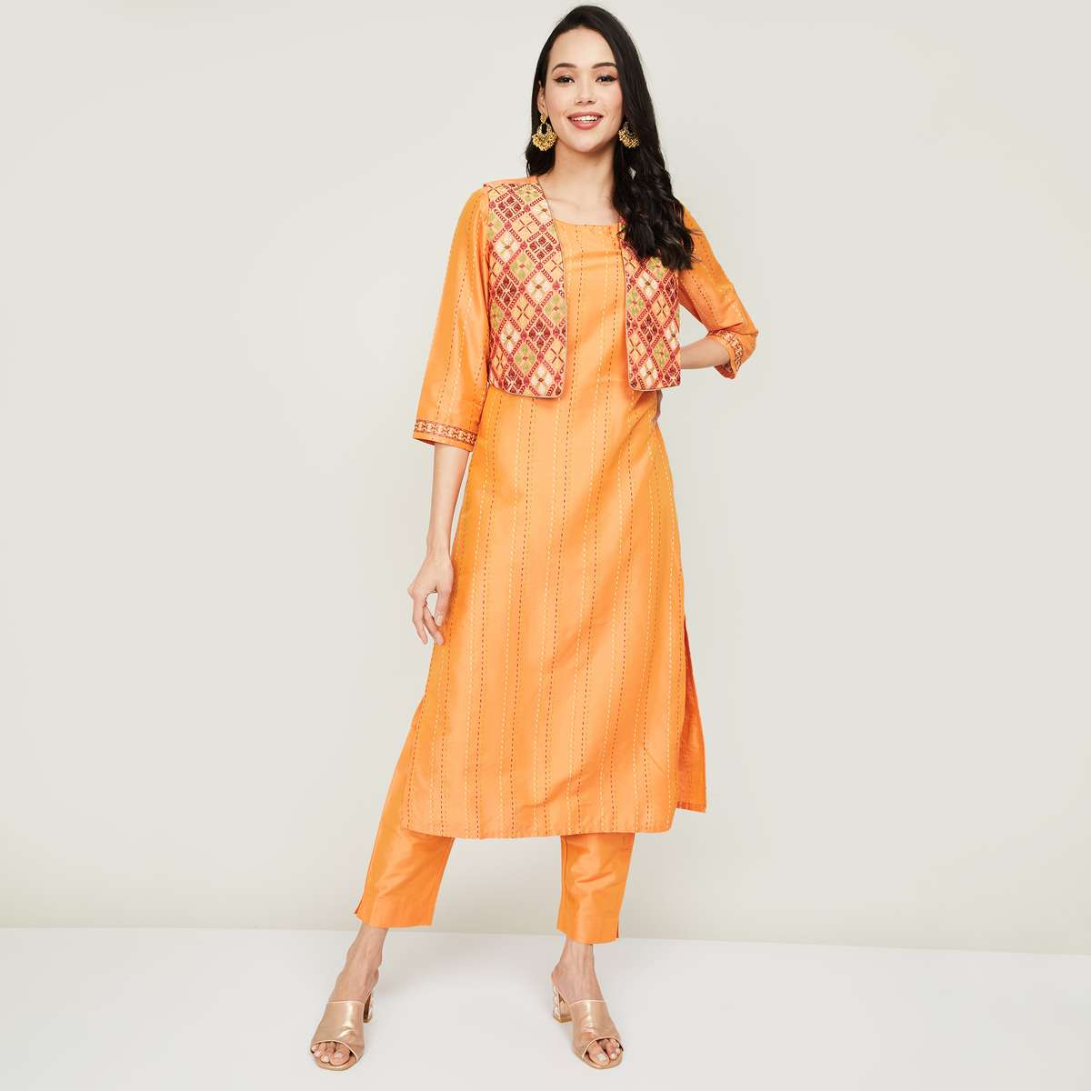 5.MELANGE Women Embroidered Straight Kurta with Jacket and Straight Pants